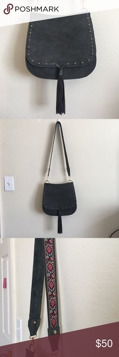 Steve Madden Crossbody Purse Dusty black leather satchel with gold embellishments, a long embroidered detachable strap, and magnetic closure. Beautiful condition, only used once Steve Madden Bags