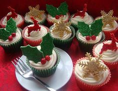 Beautiful Christmas Cupecakes
