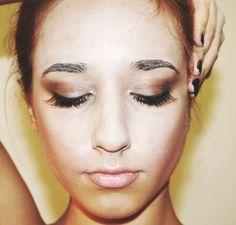 white Swan Make-Up