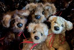 Even if they are teddy bears, they can be pets! Not your average bears: Cathlamet woman turns fur coats into treasures, #recycle