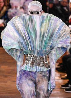 Balmain Spring 2019 Couture Fashion Show Couture Fashion, Fashion Show, Fashion Design Portfolio, Couture Collection, Balmain, Dior Ring, Vogue, Spring, Photographs