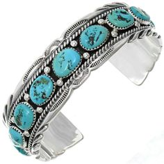 Natural Kingman Turquoise Nugget Cuff displays an unmistakable southwest presence with AZ's best! Kingman Turquoise, Coral Turquoise, Turquoise Jewelry, Turquoise Bracelet, Silver Jewelry, Unique Jewelry, Homemade Beauty Tips, Thing 1, Navajo Jewelry