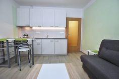 Byt k pronájmu Brno-Královo Pole, rekonstruovaný moderně zařízený byt 2+kk ulice Srbská, žádaná lokalita.