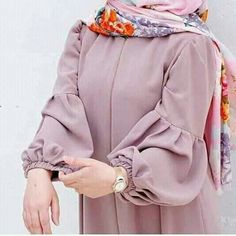Shared by souha_sousou. Find images and videos on We Heart It - the app to get lost in what you love. Modern Hijab Fashion, Hijab Fashion Inspiration, Abaya Fashion, Classy Fashion, Iranian Women Fashion, Islamic Fashion, Muslim Fashion, Korean Fashion, Mode Abaya