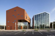 continuo terra cotta facade with glass curtain wall. VS-A | Façade Engineering - Project - Regional Learning Center - CFA