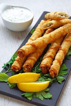 Zigarrenbörek sind leckeres Picknick- oder Party-Fingerfood. Diese türkische Vorspeise ist schnell gemacht und garantiert bei jedem beliebt!