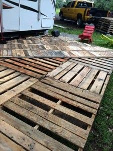 Patio deck out of 25 wooden pallets pinterest front porches diy pallet deck ideas and instructions solutioingenieria Choice Image