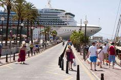 Los turistas gastan el récord de 14.856 millones hasta abril, el 11,2% más