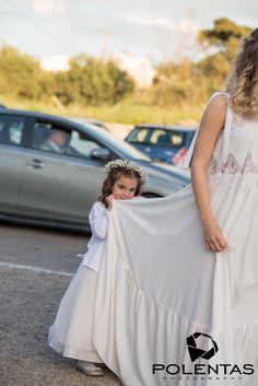 Brides, Wedding Dresses, Sneakers, Shoes, Fashion, Tennis, Moda, Bridal Dresses, Zapatos
