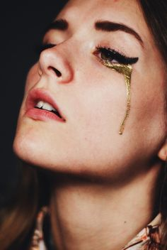 she cried tears of gold