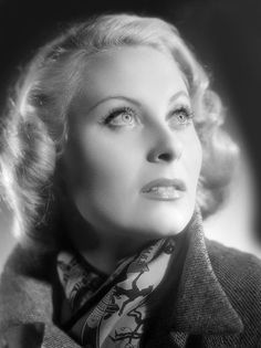 "Michèle Morgan, ""the eyes of French cinema"", is dead - Michèle Morgan around 1940 - Old Hollywood Movies, Vintage Hollywood, Hollywood Actresses, Classic Hollywood, Actors & Actresses, Hollywood Stars, Sophia Loren, Emmanuelle Béart, Showgirls"