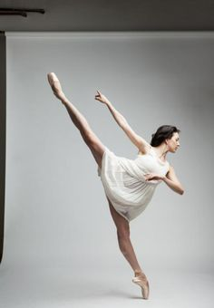 dancers beautiful 12 Mesmerized by the beauty of these dancers (22 photos)