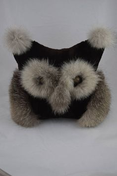 Coussin Owl Cushion, Sweat Stains, Fur Trade, Fur Pillow, Sewing Dolls, Pillow Talk, Fox Fur, Furs, Upcycle