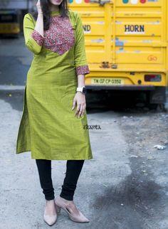 Simple Kurta Designs, Kurta Designs Women, Dress Neck Designs, Bridal Blouse Designs, Kurti Patterns, Dress Patterns, Stylish Kurtis Design, Churidhar Designs, Kalamkari Dresses