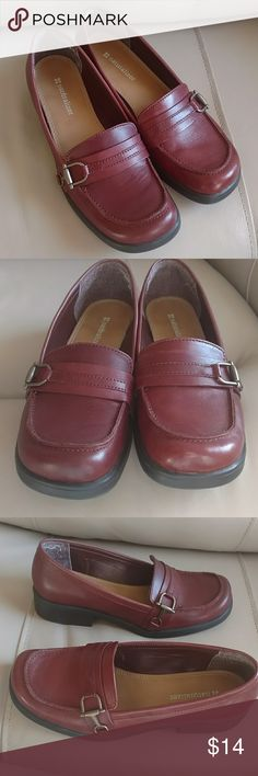 Naturalizer loafers, EUC Naturalizer loafers, EUC, Coaster model, sienna color, 7m, comfortable, just too big for me now, one scuff marks in last pic Naturalizer Shoes Flats & Loafers