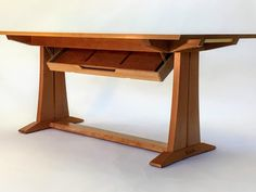 Cherry Extendable Dining Table with Hidden On-Board Storage for Leaves⠀ By FWW member snoots⠀ —⠀ We have a rather small dining room in our…