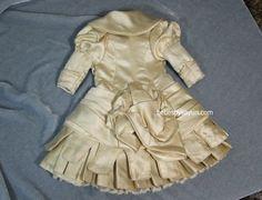 dress back #Sayuri #Bru #doll #BruJne #bebe #BruDoll #antique