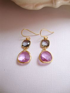 How lovely are these earrings? These would be perfect for a rustic destination wedding or springtime wedding.