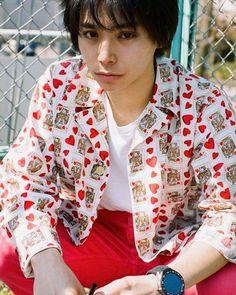 """いいね!1,168件、コメント1件 ― i-D JAPANさん(@id_japan)のInstagramアカウント: 「""""タグ・ホイヤーが切り取る村上虹郎の時間の流れ""""ウェブサイトにて掲載中。  Model @rainbowmusix #NijiroMurakam #村上虹郎 Photography…」 Cute Japanese Guys, Japanese Boy, Dramas, Dream Anime, Best Portraits, Borderlands, Hisoka, Lee Min Ho, Asian Men"""