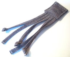 Neat squid cat toy - would be easy to riff off of. Stitched denim with knots at the end of the tentacles and velcro holding the pouch at the top closed so that catnip can be inserted. Homemade Dog Toys, Diy Dog Toys, Kitten Toys, Cat Toys, Crazy Cat Lady, Crazy Cats, Mummy Crafts, Cat Litter Mat, Puppies And Kitties