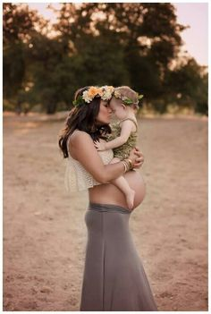 . to cute <3 I would so do this with my little baby girl & being pregnant at the same time :)