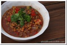 slow cooker lentil chili. trying this tonight. winging it, but looking forward to it!