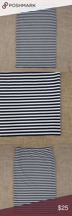 """Jack by BB Dakota striped fitted skirt Black and white striped body contour/bodycon skirt in excellent condition  Stretchy and comfortable   Waist measures approx 13.75"""" across  Total length is approx 24.75"""" Jack by BB Dakota Skirts"""