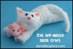 Muis en kat gemaakt van sokken