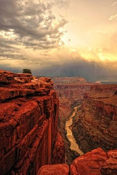 Great shot of the Grand Canyon and the Colorado River.