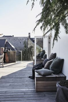 Private rooftop terrace in Copenhagen When historic in idea, your pergola has become suffering from Rooftop Design, Rooftop Terrace, Terrace Garden, Patio Roof, Backyard Patio, Outdoor Spaces, Outdoor Living, Outdoor Decor, Pergola Attached To House