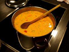 Ferskjusúpa Cooking Recipes, Favorite Recipes, Ethnic Recipes, Soups, Food, Iceland, Drinks, Ideas, Drinking