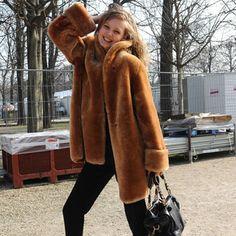 Como tenir un abrigo de pelo sintetico