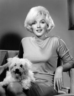 Marilyn Monroe & her dog Maf