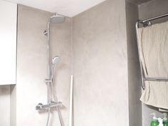 Mikrosementti/kph. Mintunmustaa. Timeless Bathroom, Bathroom Hooks, Home Decor, Decoration Home, Room Decor, Interior Decorating