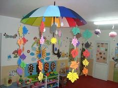 Making window pictures - 64 DIY ideas for atmospheric autumn decoration, Autumn Activities For Kids, Fall Crafts For Kids, Paper Crafts For Kids, Preschool Crafts, Diy For Kids, Diy And Crafts, Autumn Crafts, Autumn Art, Decoration Creche