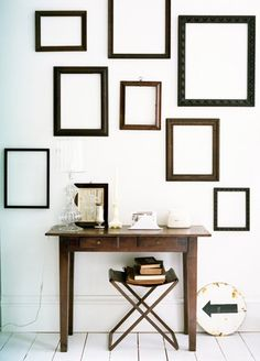empty frames -such a cheap but effective way to create a wall display Empty Picture Frames, Empty Frames, Collage Frames, Frames On Wall, Framed Wall, Wooden Frames, Home And Deco, Decorating Tips, Interior Decorating