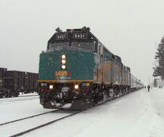 Una de las mejores experiencias de turismo en Canadá es recorrer el país en el Canadian, el tren Vancouver Toronto, y disfrutar los paisajes del Oeste.