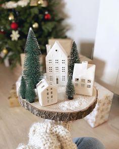 Ceramic Houses, Xmas, Christmas Ornaments, Happy Saturday, Blogger Themes, Christmas Inspiration, Tis The Season, Light Up, Place Card Holders