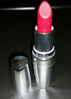 Avon Totally Kissable Lipstick in Racy Red Photo Credit: myself @passionate.rose