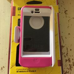 Otter box IPhone 4/4s case. Otter box pink and white hard plastic case, great condition, see photos. Otter Box Accessories Phone Cases