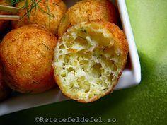 BULETE DE CASCAVAL - Rețete Fel de Fel Baked Potato, Delish, Muffin, Potatoes, Baking, Breakfast, Ethnic Recipes, Food, Wax