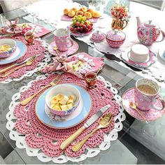 Special Events – Folding Napkins For Your Elegant Table Tea Room Decor, Crochet Placemats, Tea Party Decorations, Crochet Decoration, Crochet Kitchen, Napkin Folding, Dinning Table, Elegant Table, Deco Table