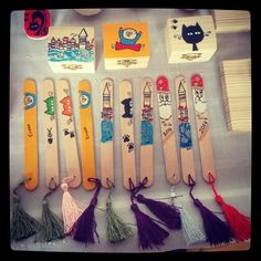 El Yapımı Kitap Ayracı Art Activities For Kids, Art For Kids, Crafts For Kids, Diy Popsicle Stick Crafts, Diy Bookmarks, Book Markers, Camping Crafts, 1st Birthday Girls, Easy Diy Crafts