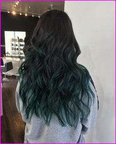 ▷ 1001 + ombre hair ideas for a cool and fun summer look black to dark turquoise, long wavy, ombre hair, grey sweatshirt, white background What Is Ombre Hair, Ombre Curly Hair, Blond Ombre, Ombre Hair Color, Turquoise Hair Ombre, Hair Colour, Medium Hair Styles, Curly Hair Styles, Blue Hair Highlights