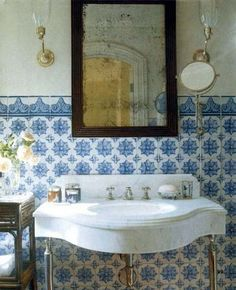 Pretty Santa Barbara bathroom in reproduction tiles after ancient patterns found in the 18th c. Damascus.