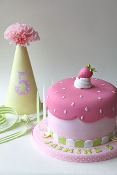 little boutique bakery cake inspired by strawberry shortcake x