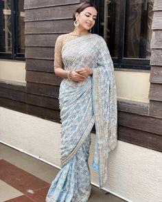Blue Silk Saree, Silk Sarees, Saree Wearing Styles, Shrenu Parikh, Indian Designer Suits, Silk Saree Blouse Designs, Indian Tv Actress, Ethnic Outfits, Beautiful Saree