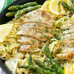 This LEMON ASPARAGUS PASTA with GRILLED CHICKEN makes such an incredible and full of flavor meal!  You will LOVE it! RECIPE HERE: http://thebestblogrecipes.com/2016/06/lemon-asparagus-pasta-grilled-chicken.html?utm_source=TRC&utm_medium=Partner&utm_campaign=FB