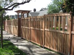 8 Far-Sighted Cool Ideas: Tree Fence Gate contemporary garden fence.Bamboo Fence On Deck dog fence yard. Modern Front Yard, Front Yard Fence, Modern Fence, Fence Gate, Fence Panels, Fenced In Yard, Dog Fence, Horse Fence, Redwood Fence