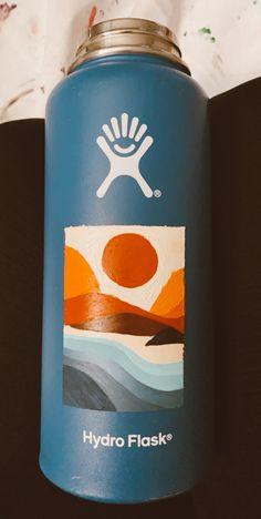 Water Bottle Art, Hydro Flask Water Bottle, Water Bottles, Hydro Painting, Bottle Painting, Diy Painting, Custom Hydro Flask, Artsy Photos, Skate Board